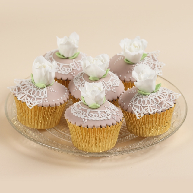 Flexi-ice wedding cupcakes from squires shop