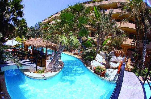 FortinaResort.Garden Pool & Island Bar