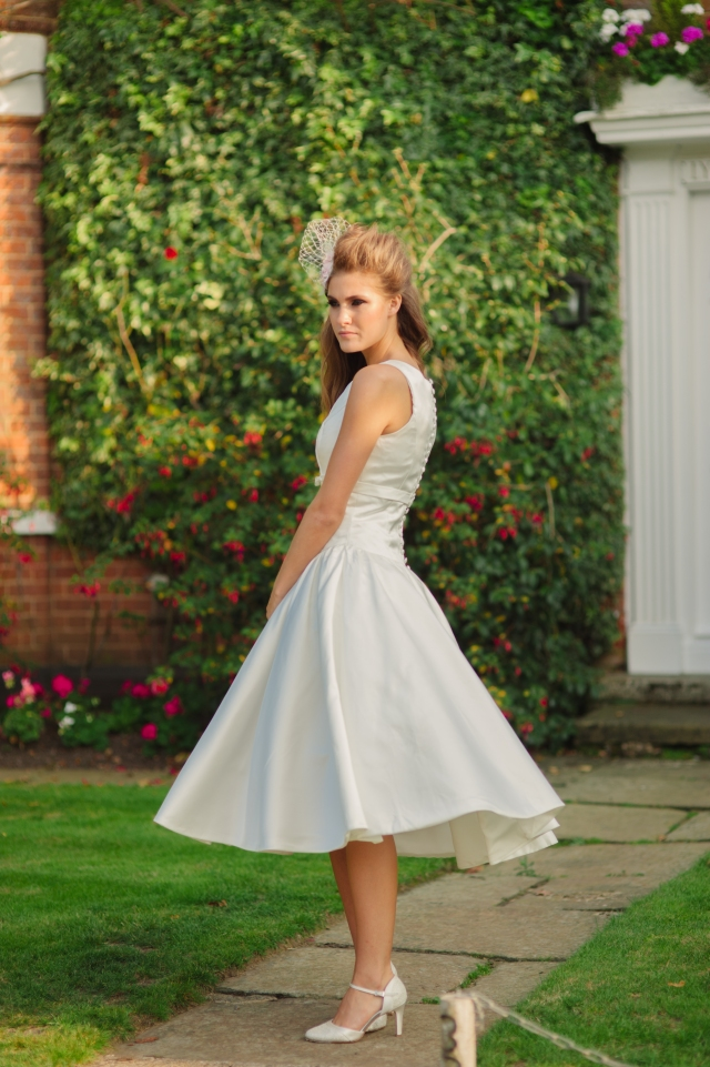 Sweet Audrey wedding dress, £350 available exclusively at kittyanddulcie.com Hair accessory from floandpercy.com 00226