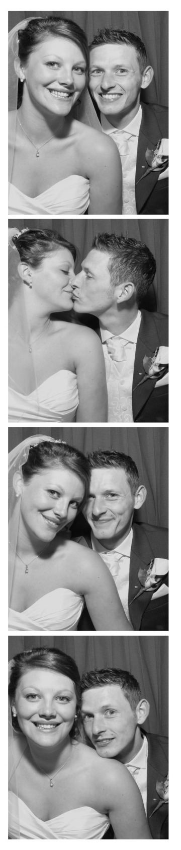 wedding photobooths http://www.snaparazziphotobooths.co.uk
