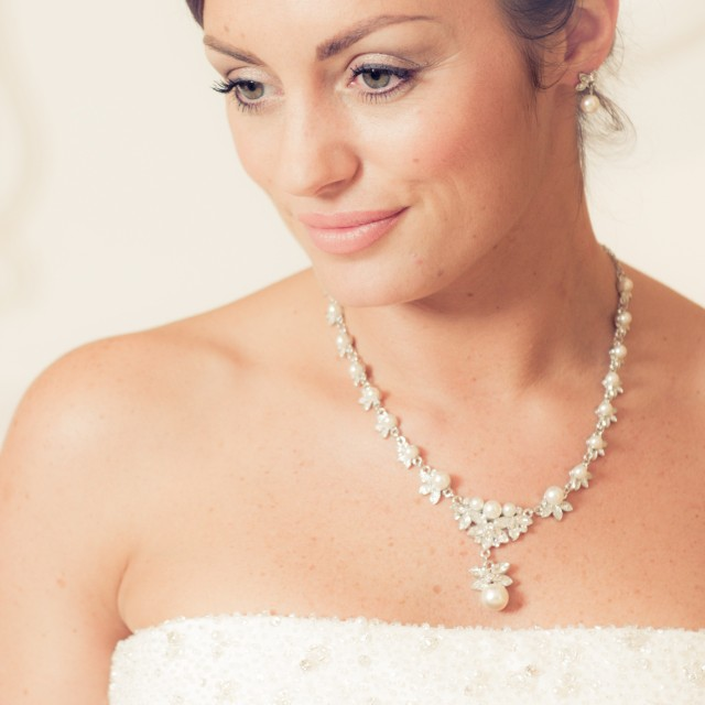 large diamante & pearl wedding necklace