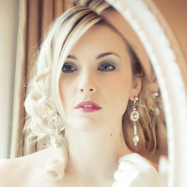 Regent Pearl Wedding Earrings ..