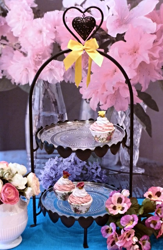tea-room-2-tier-heart-cake-stand-1--9018-p