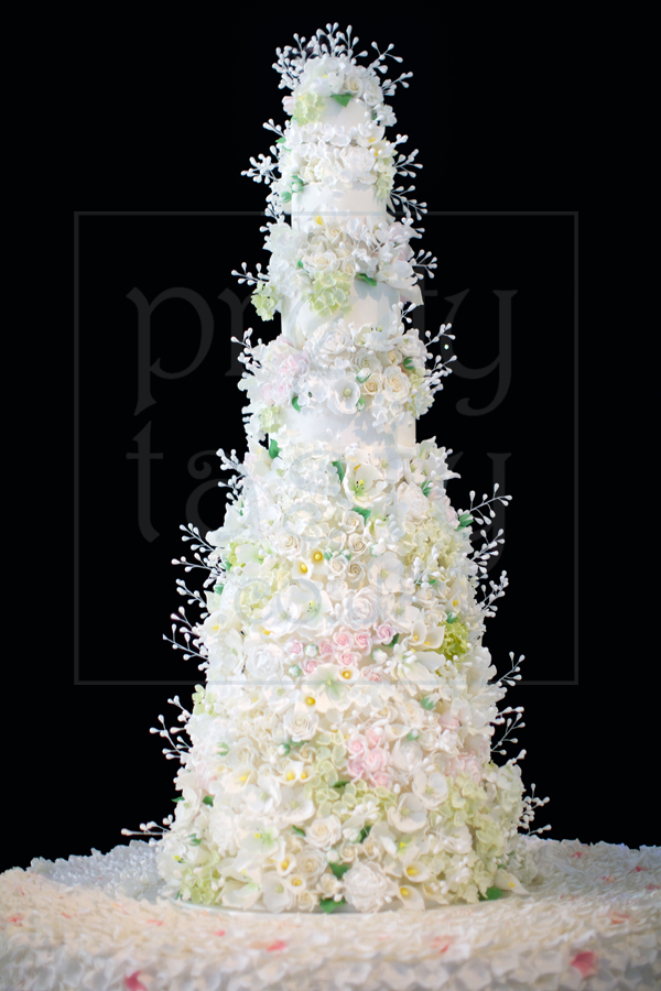 6ft cake with 3000 flowers - Pretty Tasty