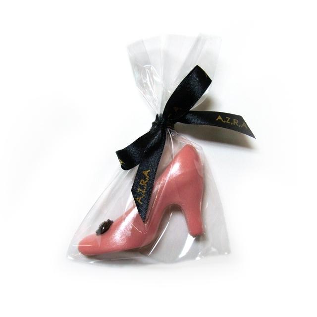 unique chocolate shoe wedding favours AZRA Chocolates- by SiRAstudio
