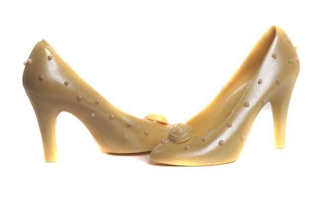 Unique wedding favours Perla Chocolate Shoe Pair