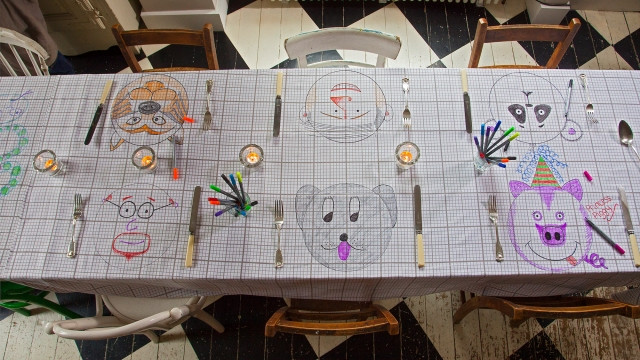 the doodle tablecloth fun wedding table cloth you can write on