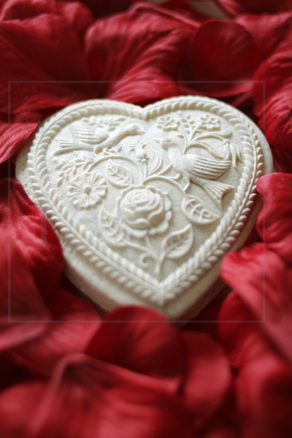 Swiss Biscuit - Heart with watermark